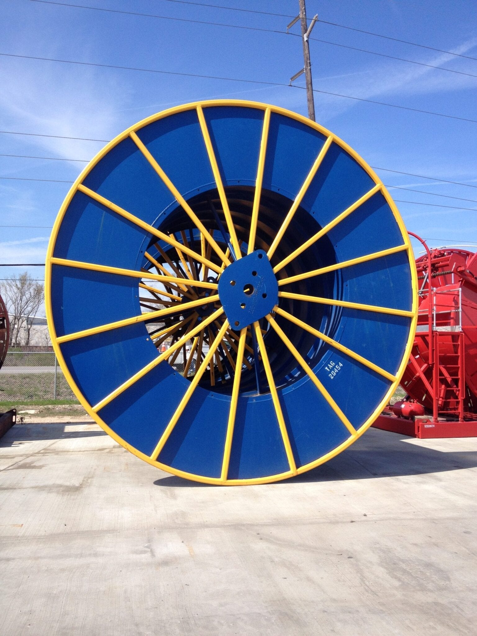 Large coiled tubing spool